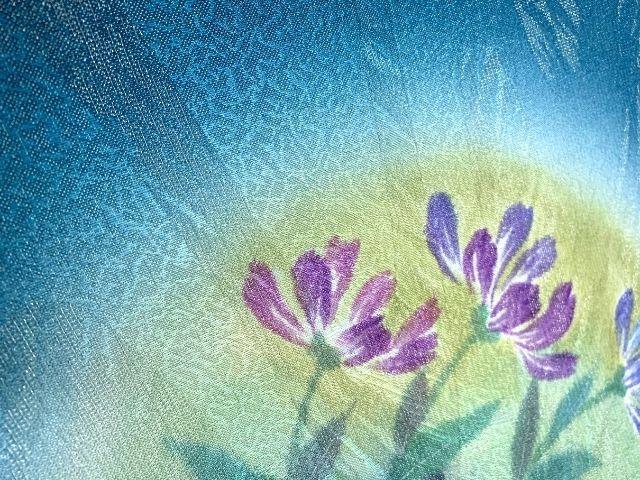 和装に花を添えて【特別な日に自分らしい花を取り入れて】